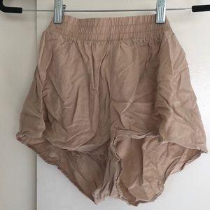 Flown khaki shorts